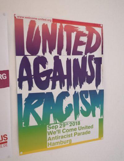 Společně proti rasismu (plakát zvoucí na pochod ulicemi Hamburku)